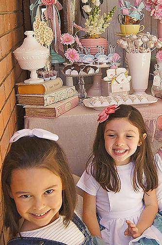 Alicia no País das Maravilhas - Lima Limão Festas