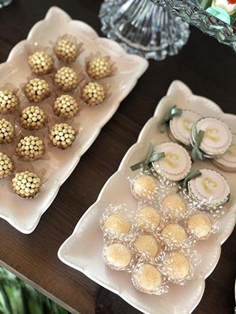 Batizado clássico, simples e elegante - Lima Limão Festas