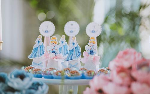 Batizado no palácio da Cinderela - Lima Limão Festas